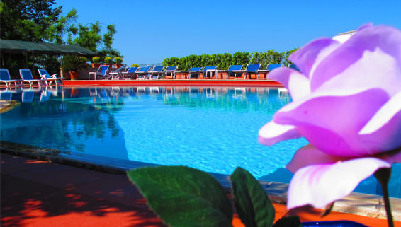 Residence Le Rose - Piscina Scoperta