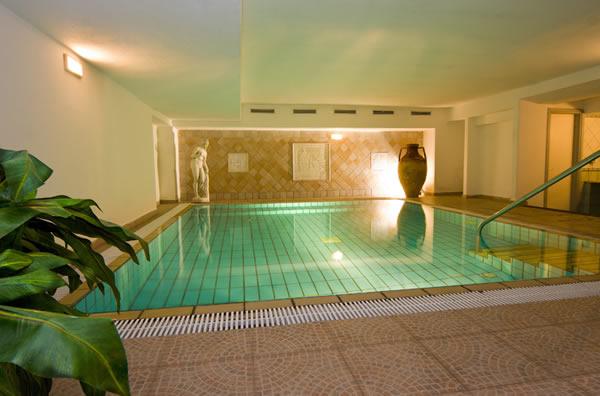 Hotel ambasciatori ischia porto offerte hotel ischia - Piscina interna casa ...